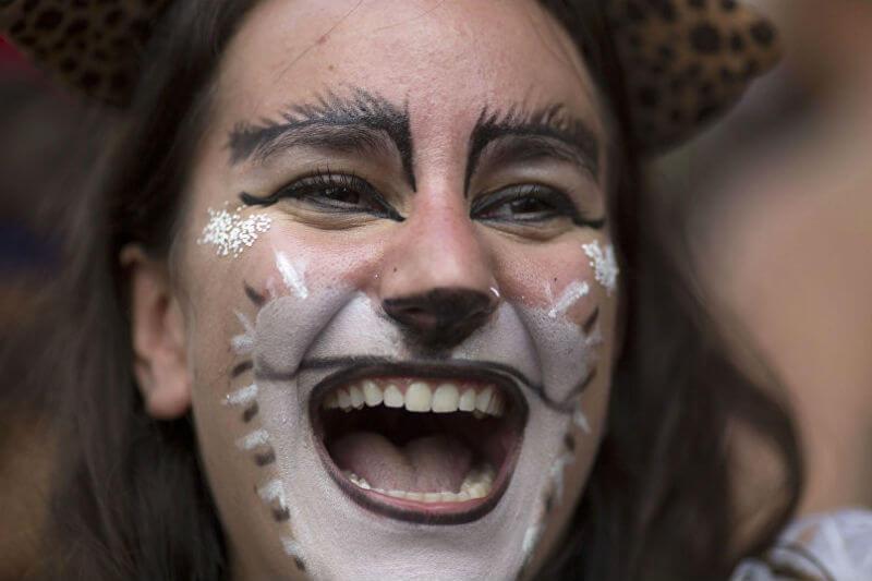 Glitra ofrece productos naturales para esquivar las perjudiciales micropartículas de plástico, entre ellos la purpurina biodegradable para pintarse la cara.