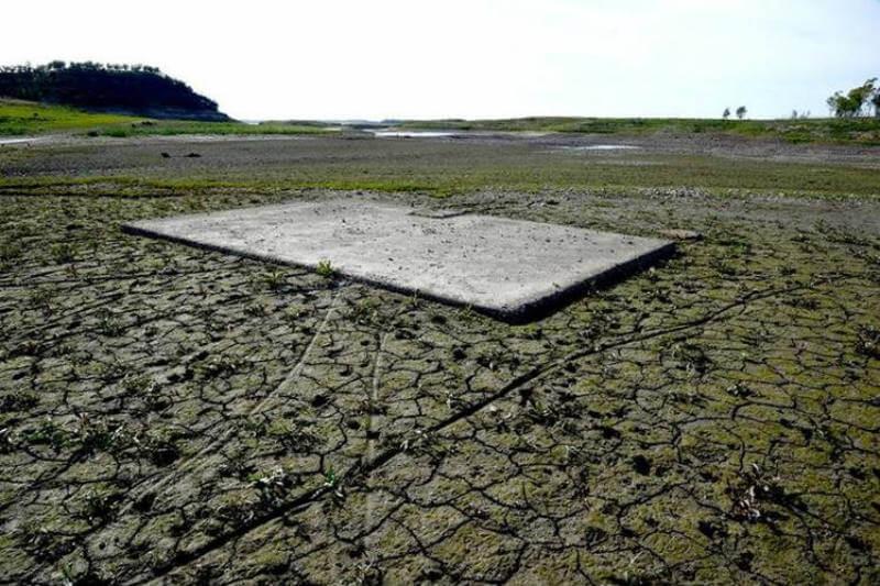 A escala global, la crisis del agua se perfilaba desde hacía décadas. El Foro Económico Mundial incluye cada año este fenómeno entre las amenazas más graves.