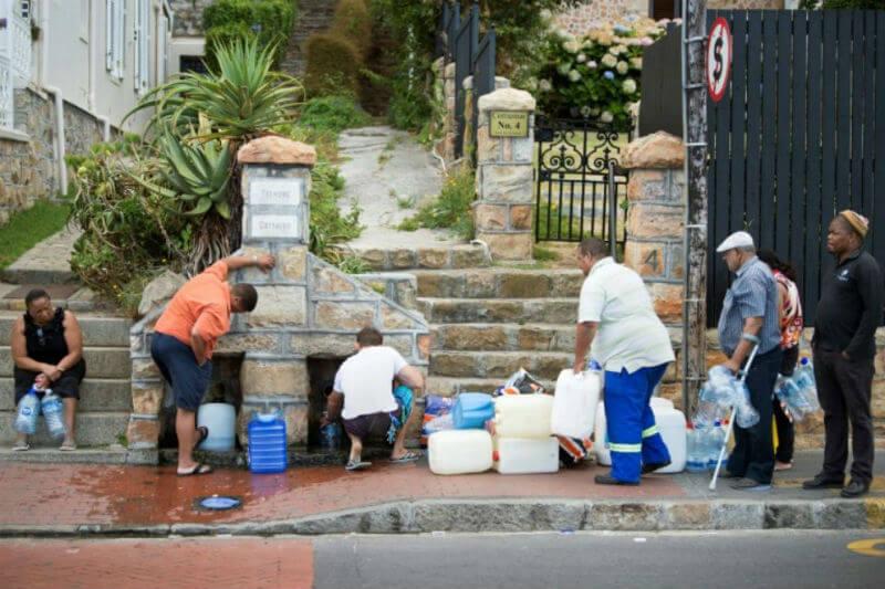 Los grifos de Ciudad del Cabo pueden no secarse en absoluto porque agosto está en el medio del período de lluvia.