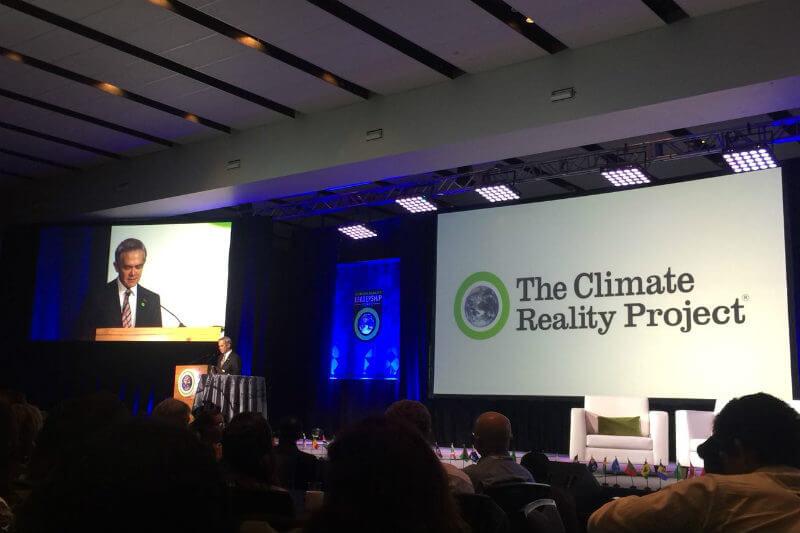 """En el entrenamiento """"Climate Reality Leadership Corps"""", el alcalde Mencera agradeció el reconocimiento y reiteró su compromiso de velar por el medio ambiente."""