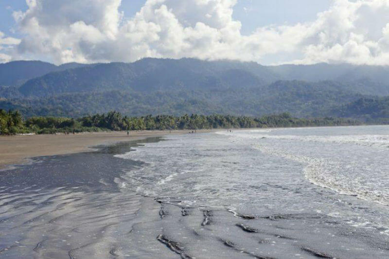 El aumento de temperatura y eventos de El Niño extremos, impulsados por el cambio climático, están empezando a amenazar la economía de turismo de la región.