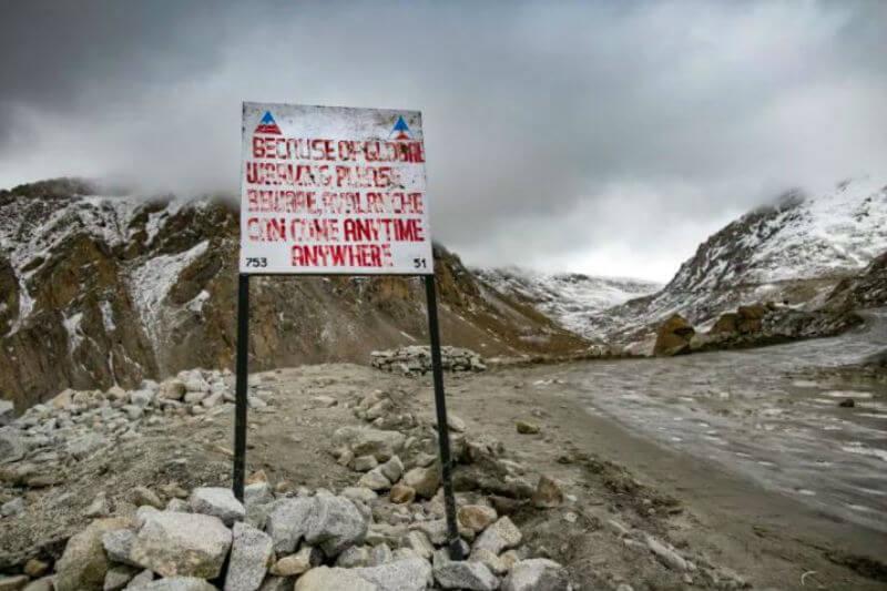 Nuevo estudio muestra que el aumento de temperatura en la cordillera del Himalaya ha provocado más avalanchas.