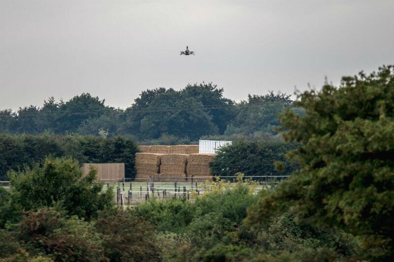 En un estudio, investigadores compararon los impactos ambientales potenciales de los envíos sin piloto con los sistemas de transporte terrestre existentes.