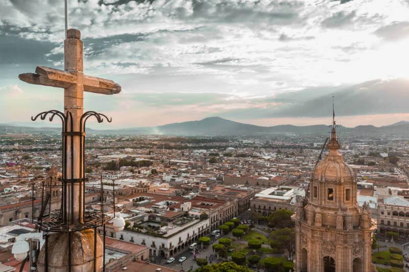 La Secretaría de Energía detalló que en México la reducción de emisiones de carbono fue de 4% debido a una disminución en el uso de petróleo y carbón.