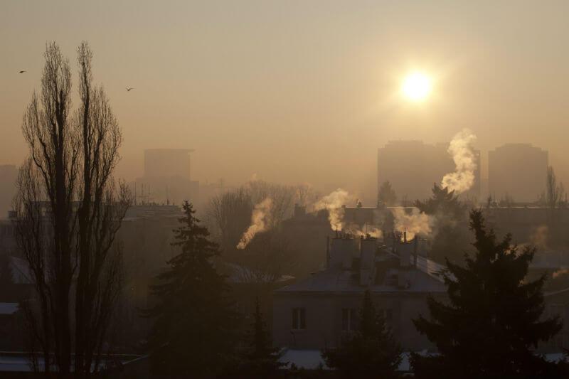 El país destinará 7,000 millones de euros hasta 2028 para la renovación de los sistemas de calefacción y luchar contra la contaminación atmosférica.