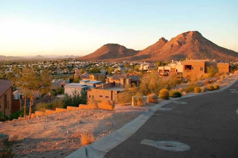 El ser humano habita ciudades con temperaturas que oscilan entre los -40ºC a las que superan los 50ºC, lo que hace que la vida esté condicionada por el clima.