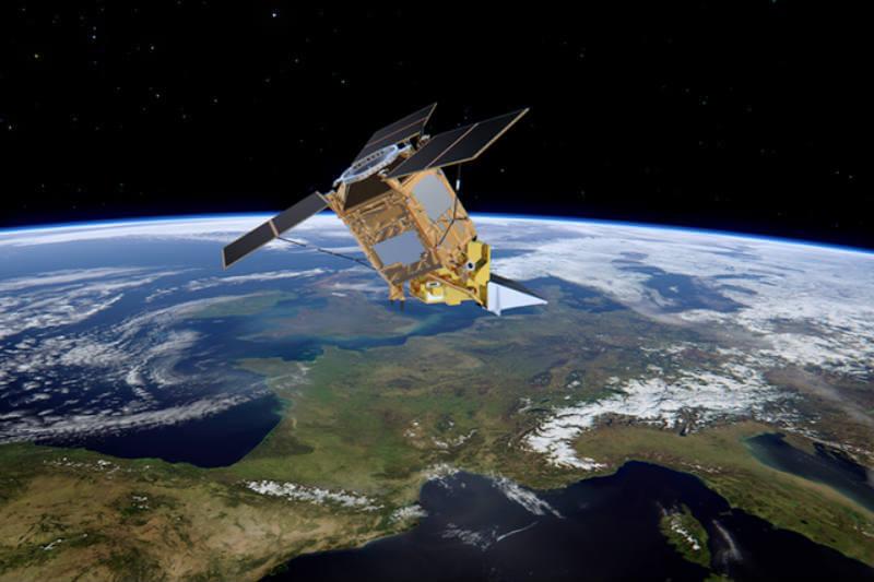 Agencia Espacial Europea desarrolla tecnología para que los satélites identifiquen la concentración y movimiento de los desechos plásticos en los océanos.