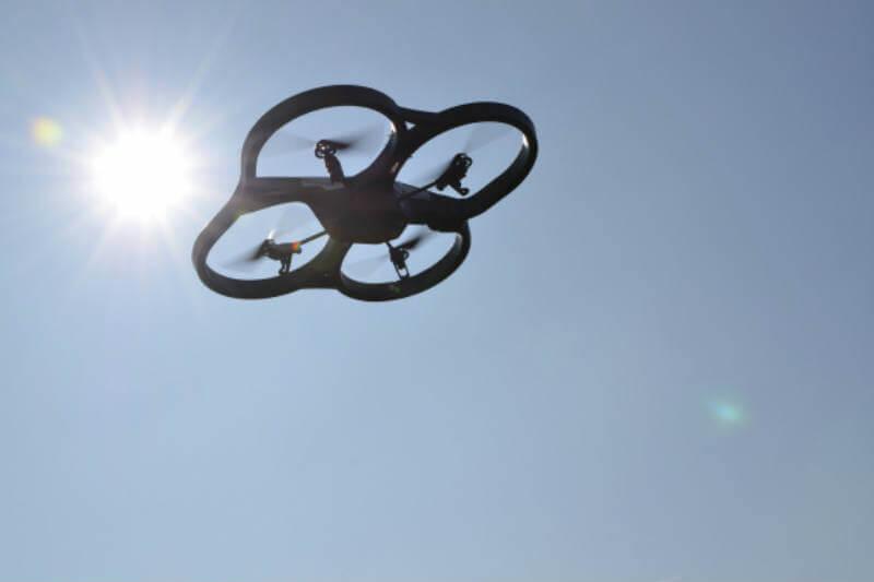 Las imágenes aéreas que toman los drones facilitan las ubicaciones para plantar árboles y así mantener baja la temperatura del agua de los ríos.