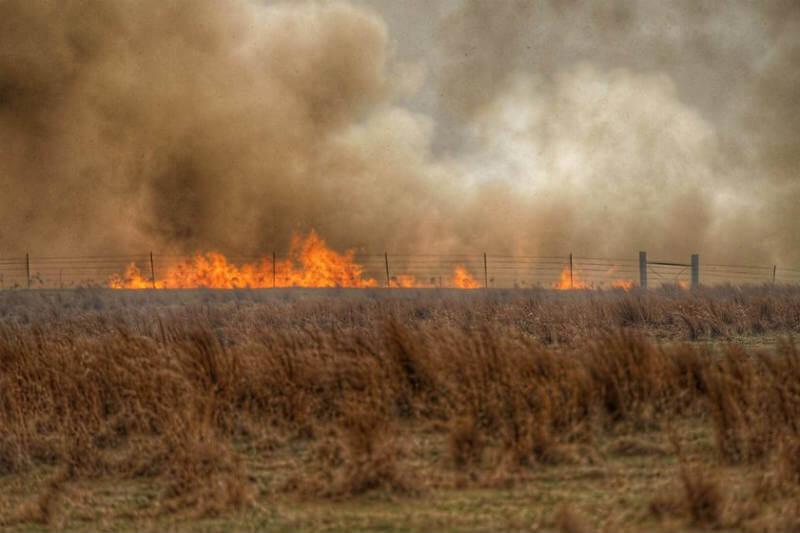 """Durante las primeras semanas de abril, el Servicio Meteorológico emitió una perspectiva de clima de fuego """"extremadamente crítica"""" para varios estados del sur."""