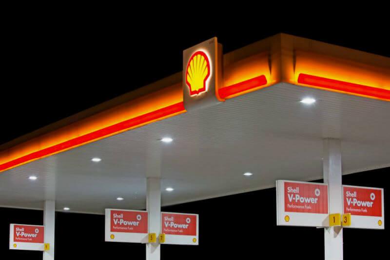 Nuevo documento de la compañía describe cambios masivos en torno al uso de combustibles fósiles, autos eléctricos e industrias de almacenamiento de carbono.