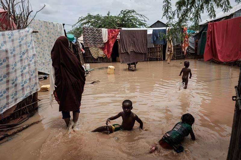 Inundaciones en Kenia dejan 2000 desplazados y 100 muertos
