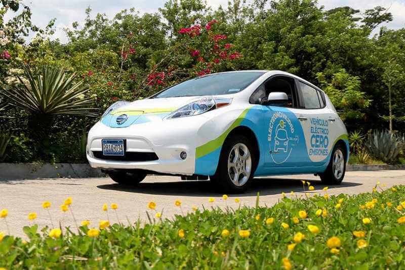 El auto importado por DELSUR constituye el primer paso del proyecto de electromovilidad que ejecuta la casa matriz de la distribuidora, el Grupo EPM.