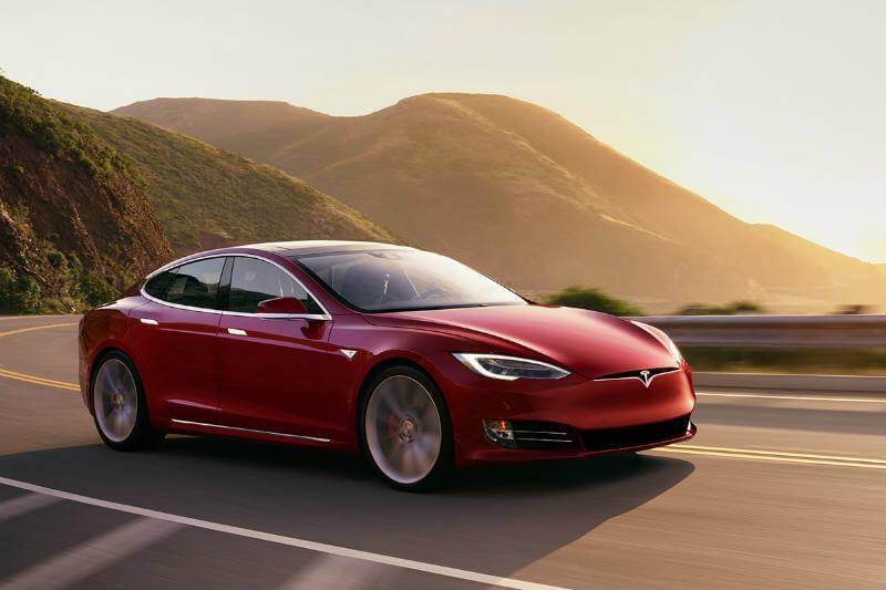Después de ser utilizadas un promedio de 250 mil kilómetros, las baterías Tesla mantienen el 90% de su capacidad, según una tabla de cálculos.