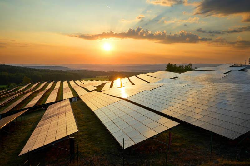 Estudio muestra que países en Medio Oriente y Norte de África podrían aprovechar su potencial de energía solar para hacerle frente a la escasez de agua dulce.