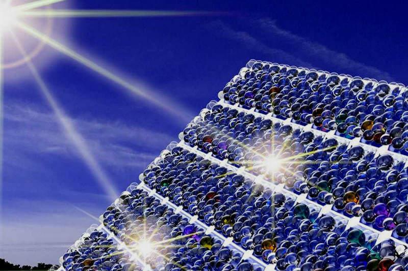 Investigadores del NIST han conseguido desarrollar un recubrimiento a nanoescala para células solares que les permite absorberhasta un 20% más de luz solar.