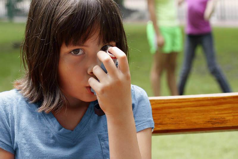 Se estima que los niños en todo el mundo soportan el 88% de la carga de enfermedades vinculadas al fenómeno.