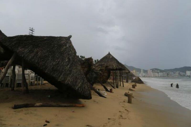 Según el SMN, el huracán se formó en el océano Pacífico frente a las costas de los estados mexicanos de Michoacán, Jalisco y Colima.