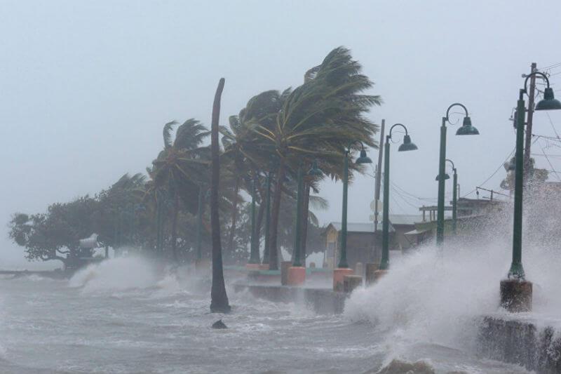 """Kerry Emanuel del MIT sugiere que la escala actual """"no captura adecuadamente el daño que esas tormentas pueden causar"""", por eso el añadir una sexta categoría."""
