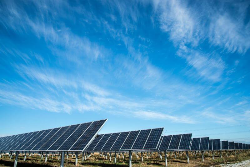 Según Bloomberg New Energy Finance, se espera que el precio medio de venta global (ASP) de los módulos disminuya un 35%.