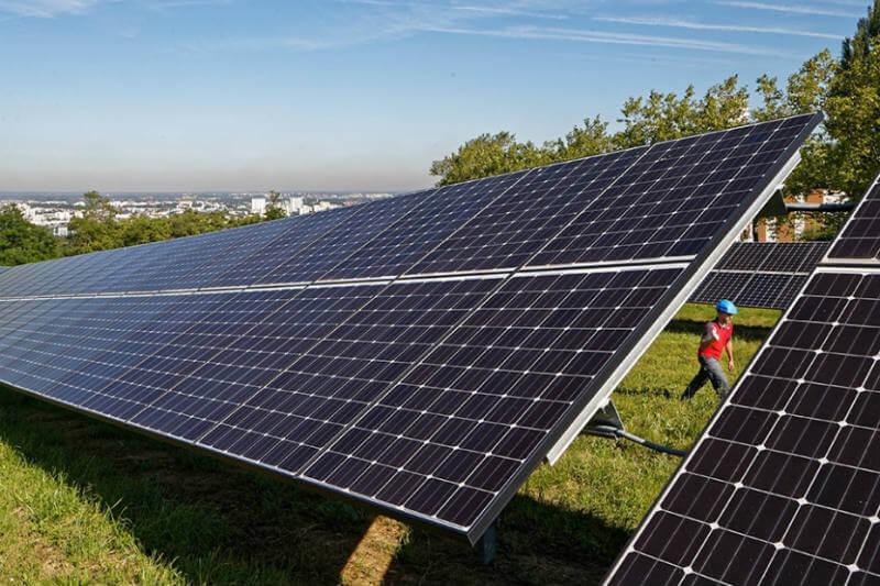 La nueva planta en Francia de la empresa Veolia tiene un contrato con PV Cycle France para reciclar 1,300 toneladas de paneles solares en 2018.