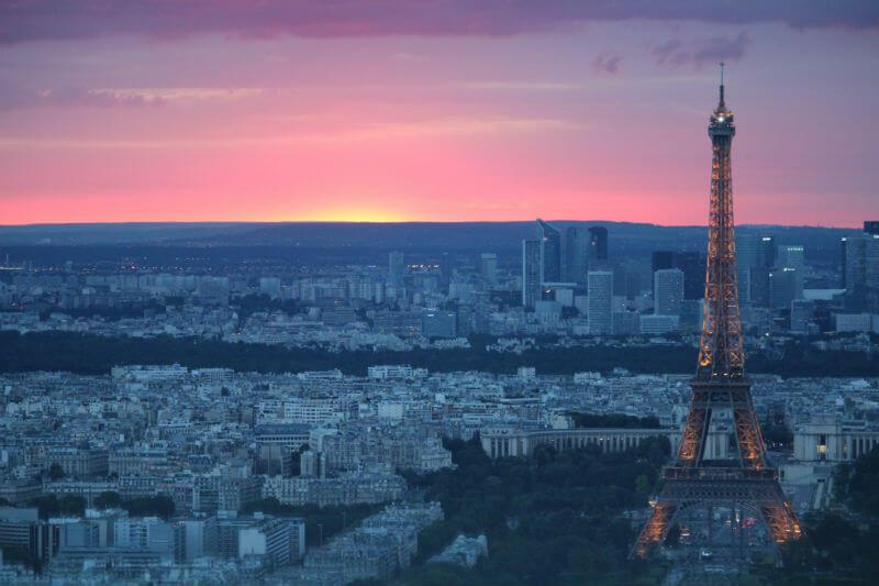 """Según el IPCC, gobiernos aún pueden limitar la temperatura por debajo del límite acordado en 2015 con transiciones """"rápidas y de largo alcance"""" en la economía."""