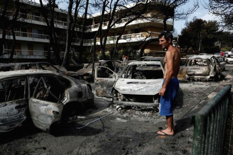 La cifra de víctimas mortales ha ascendido a 74 y la de los heridos a 187, según los últimos datos ofrecidos por el cuerpo de bomberos heleno.