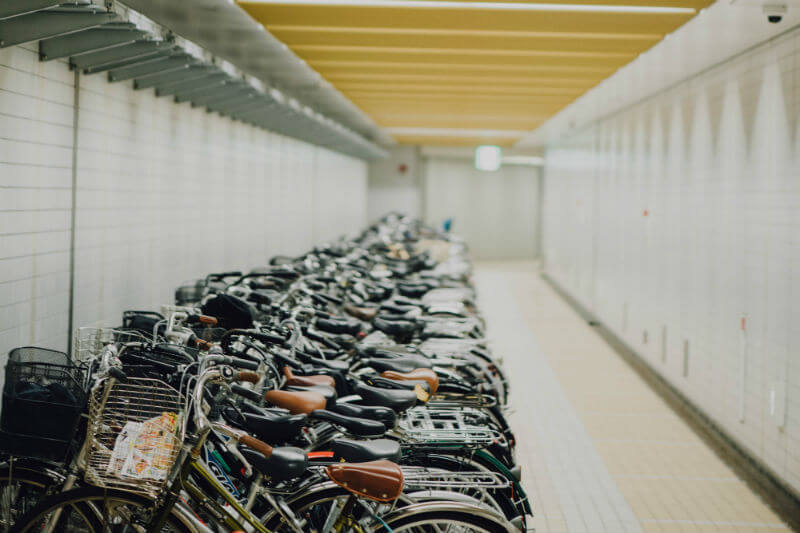 El Gobierno está negociando con empresas para que le paguen a los empleados 0.19 euros por cada kilómetro diario que estos circulen en bicicleta.