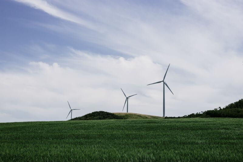 El nuevo boom eólico, de más de 3,000 turbinas eólicas, ayuda a la nación nórdica a acelerar el programa de desarrollo energético.