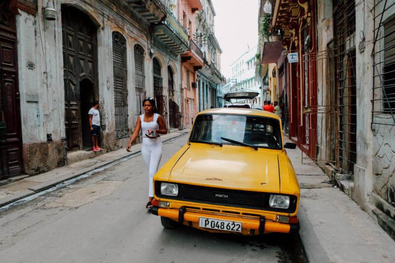 """Alejandro Miranda, del CAF, sugiere como plan de mitigación, que las ciudades mejoren el acceso energías renovables y modos de transporte """"bajos en carbono""""."""