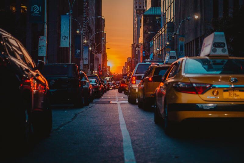 La EPA decidió que la reducción de emisiones (de los autos) quede congelada a partir de 2020 y solo sea de unos 60 kilómetros por casi cuatro litros en 2026.