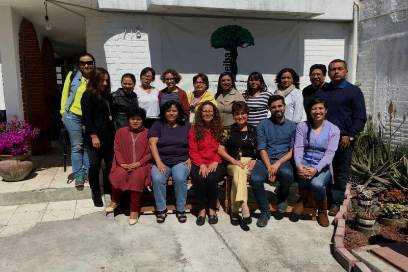 La organización crea proyectos integrales de educación para que la comunidad genere estrategias y capacidades de mitigación y adaptación al cambio climático.