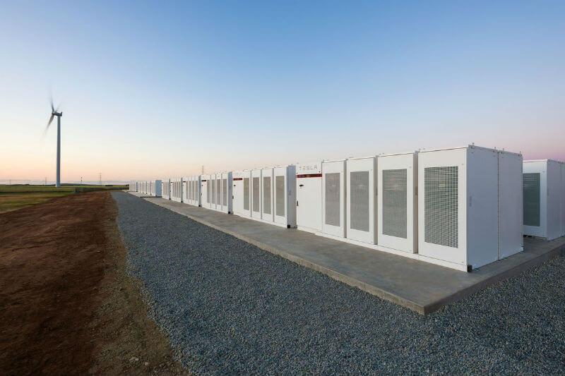 Según un análisis de Renew Economy, la batería instalada en Australia, tendrá un ahorro total anual estimado en $18 millones.