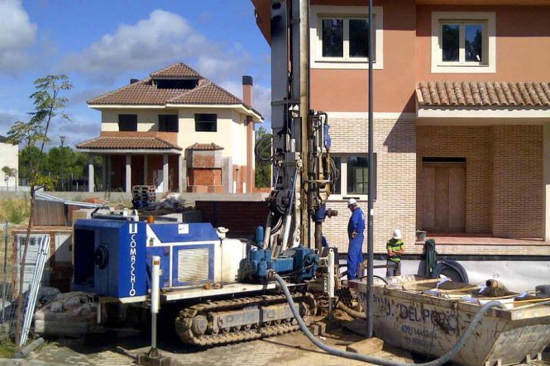 APPA reivindica la geotermia como opción renovable al aire acondicionado ya que se aprovecha la temperatura del subsuelo y su consumo eléctrico es bajo.