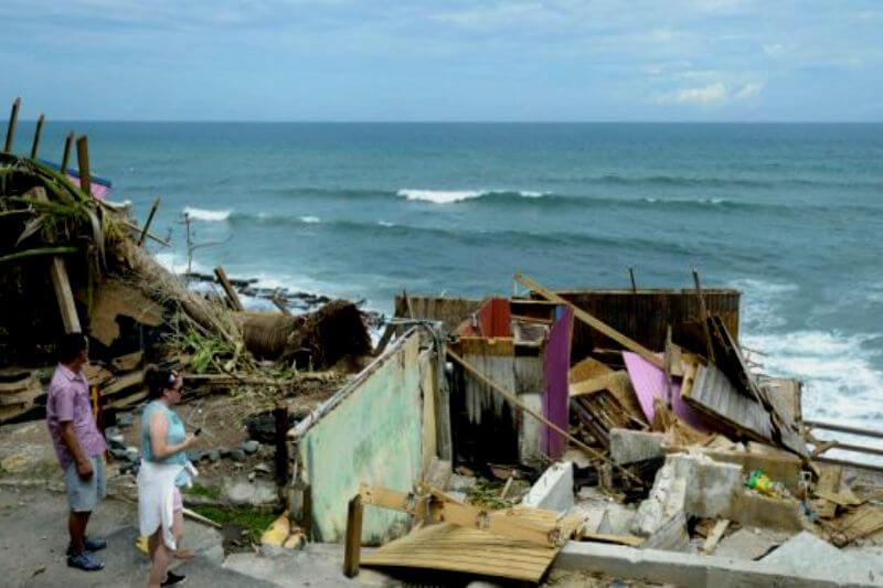 """Según el gobierno, las muertes se debieron a los efectos de una tormenta que provocó """"fallas en cascada"""" en la infraestructura de toda la isla."""