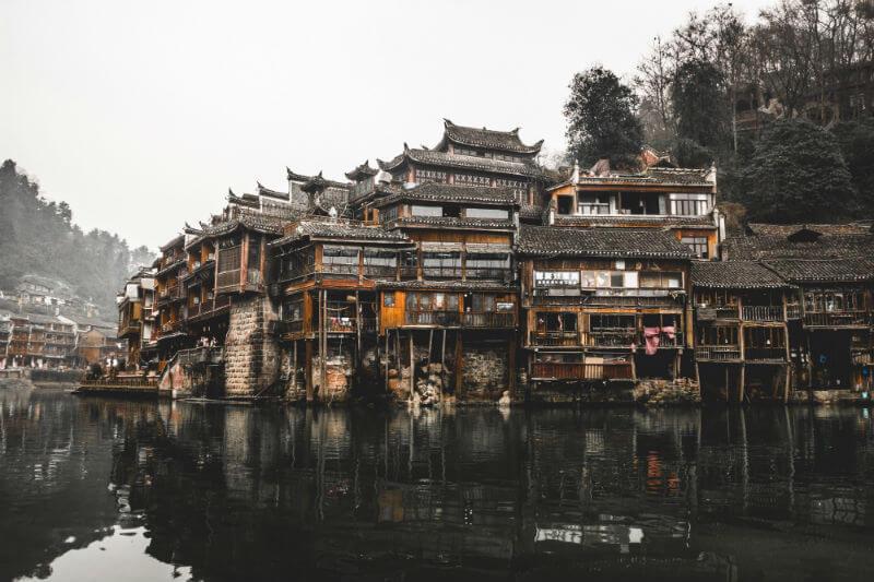 El país asiático se encuentra en medio de una costosa campaña para limpiar sus lagos y ríos altamente contaminados.