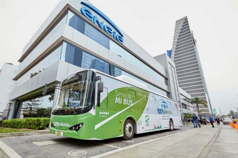 """La Municipalidad de San Isidro y la empresa ENGIE, implementaron un bus 100% eléctrico y 0% contaminante al servicio de transporte """"MiBus""""."""