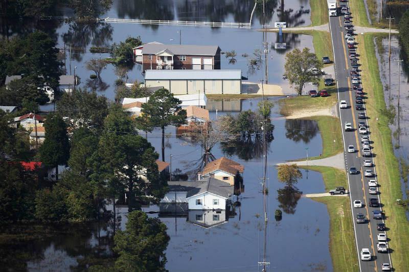 Análisis encontró que más de 0.4 metros cayeron en promedio en cinco estaciones meteorológicas en los más de 36,000 km2 de las Carolinas.