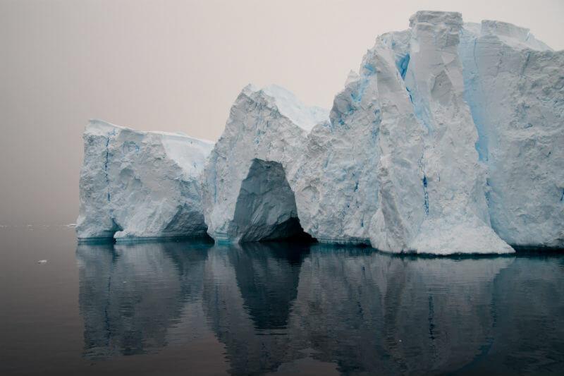 Según un estudio, estamos en un curso que podría calentar el planeta lo suficiente como para derretir la cuenca subglacial Wilkes, aumentando el nivel del mar.