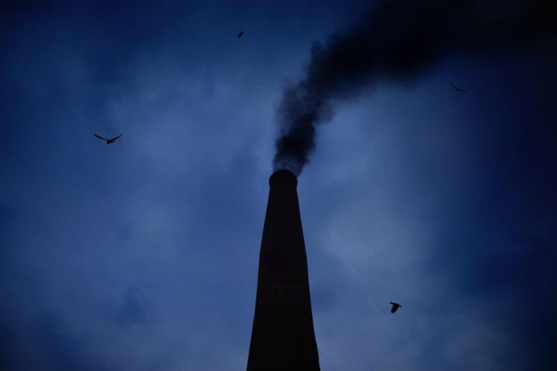 Nueva propuesta debilita el requisito de que las compañías deben monitorear y reparar cualquier fuga de metano, permitiendo más contaminación del aire.