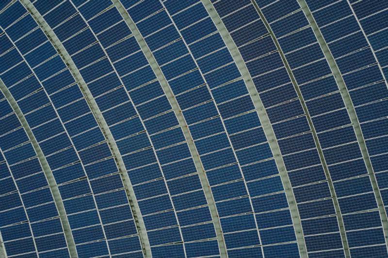 Según BNEF, una granja solar podrá proporcionar energía por $36 por megavatio-hora, más barato que los $47 de una planta de gas de ciclo combinado.