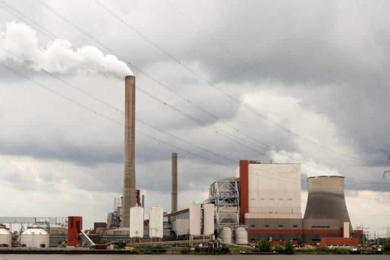 El nivel promedio de precios es 76.5% más bajo que el de referencia de 30 euros por tonelada que la organización dice es necesario para reducir emisiones.