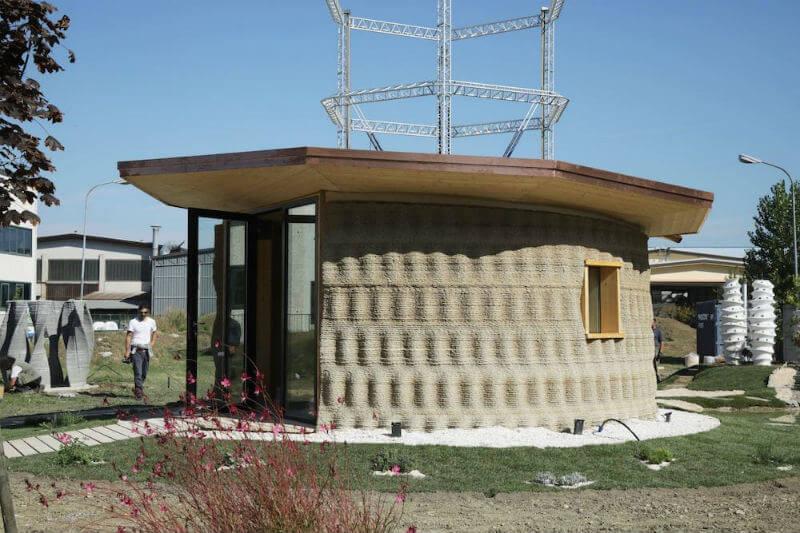 Esta pequeña casa ha sido diseñada por WASP, líder en impresión tridimensional y Ricehouse, una startup italiana que se enfoca en construcción ecológica.