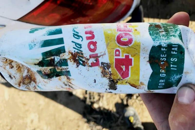 El hecho de encontrar una botella tan antigua en un playa del Reino Unido, genera advertencias sobre el problema persistente de los desechos de plástico.