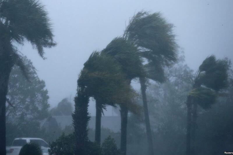 Los vientos estaban alrededor de los 240 km/h antes de tocar tierra, una fuerza devastadora que no se ha registrado en ningún huracán desde 2004, con Charley.