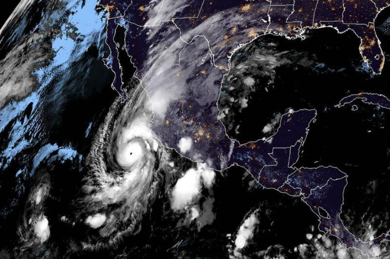 Los vientos máximos sostenidos del huracán en el Pacífico alcanzaron los 230 kilómetros por hora, con rachas de hasta 280.