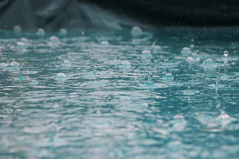 Según fuentes oficiales, las fuertes lluvias ya han provocado el desbordamiento de decenas de ríos y la afección de viviendas en 12 de los 24 estados.