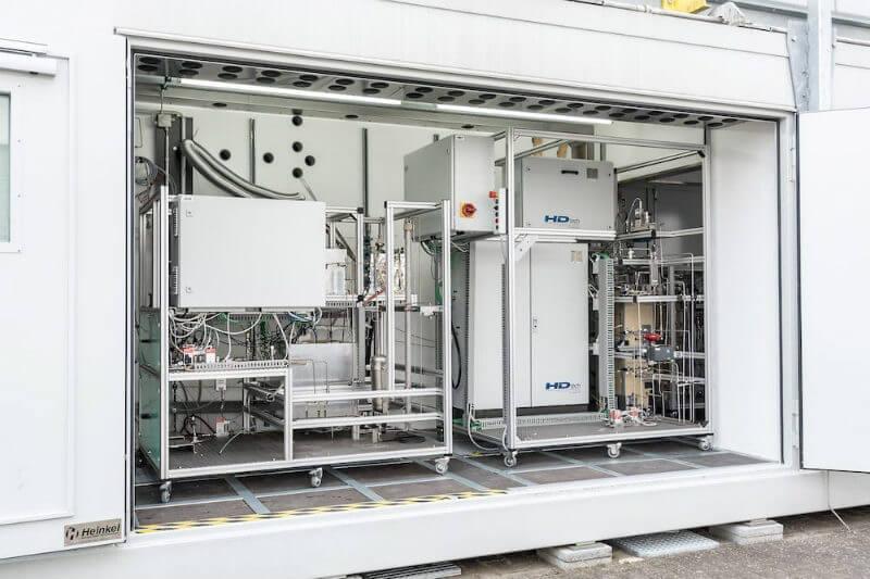 La nueva aplicación práctica es capaz de transformar los residuos de madera en gasolina de alta calidad, todo eso en un contenedor en Alemania.