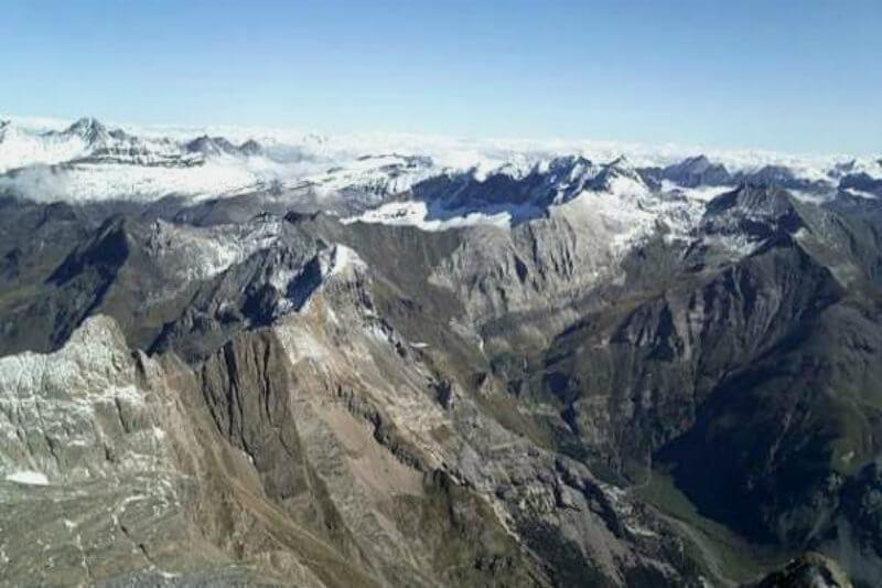 Esto es consecuencia del incremento de la temperatura media en los Pirineos que ha aumentado en 1.2ºC entre 1959-2010, un 30% más que la media mundial.
