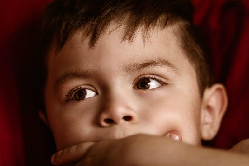 Investigación ha encontrado que la exposición temprana a la contaminación del aire aumenta el riesgo de que los niños se vuelvan obesos.