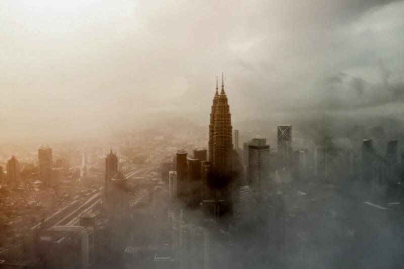 Investigadores lanzan sitio web que les dice a los usuarios cuántos años de vida podría costarles la contaminación según la región del país en el que viven.